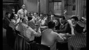 تحلیل فیلم 12 مرد خشمگین ، تلاشی برای انتخاب مرگ یا زندگی